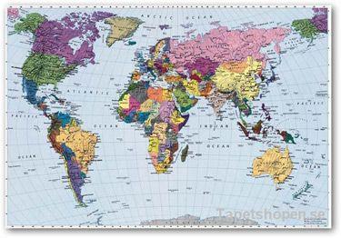 Världskarta som fondvägg.