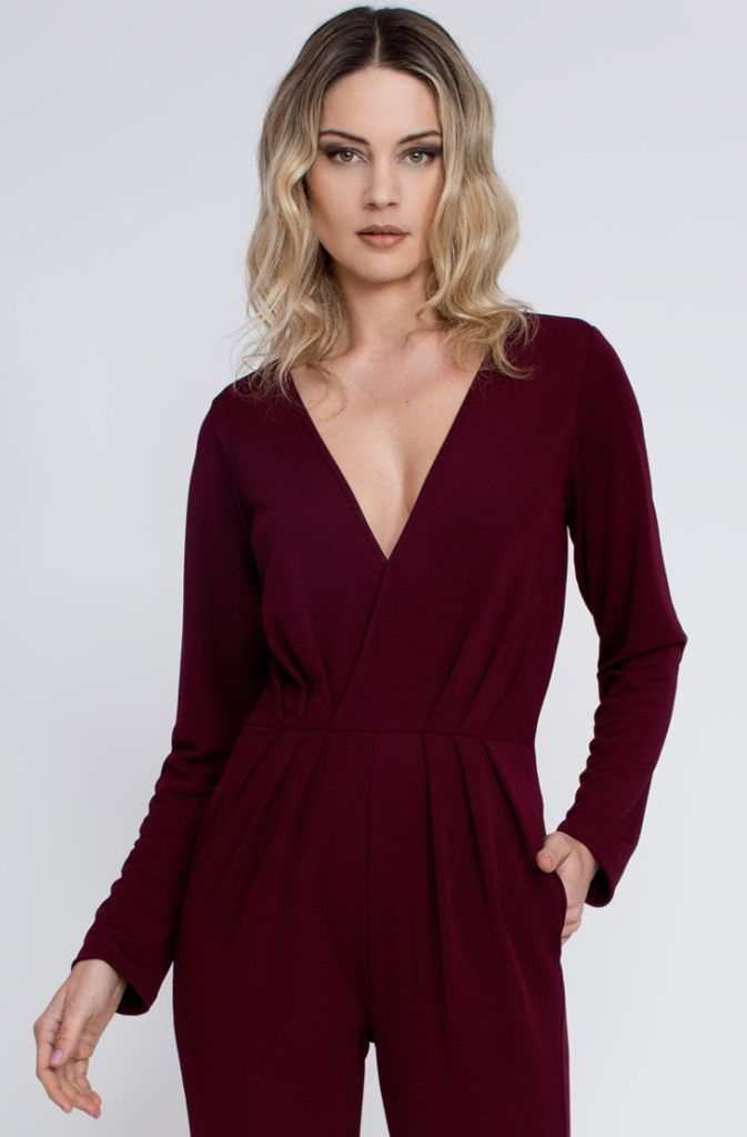 Ladies' long sleeve evening jumpsuits are the real understanding for this season. Shake THE JUMPSUIT is the firm that gives the crazy frameworks and examples of jumpsuits to suit your identity. The eye-getting outlines will spellbind you.