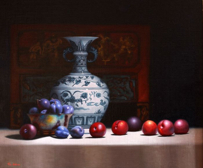 https://flic.kr/p/Nt6ySp | Blue plums and Vase | Still life by Vicki Sullivan www.vickisullivan.com#oilonlinen#Fruit#plums#Chinesevase#...