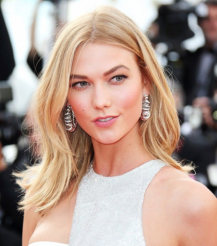 Karlie Kloss's peachy-pink glow + arched, defined brows // Cannes 2015 beauty