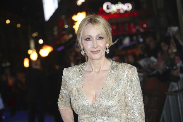 You don't need me to introduce you to J.K. Rowling, Queen of Harry Potter and also Twitter. | Just FYI, J.K. Rowling Is Currently Annihilating Trolls On Twitter And It's Incredible