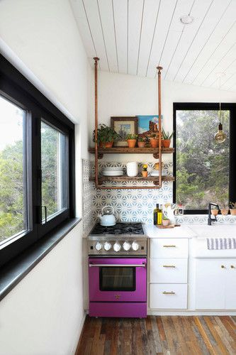 In 560 Square Feet, the Colorful Home of Small Space Dreams Bruce
