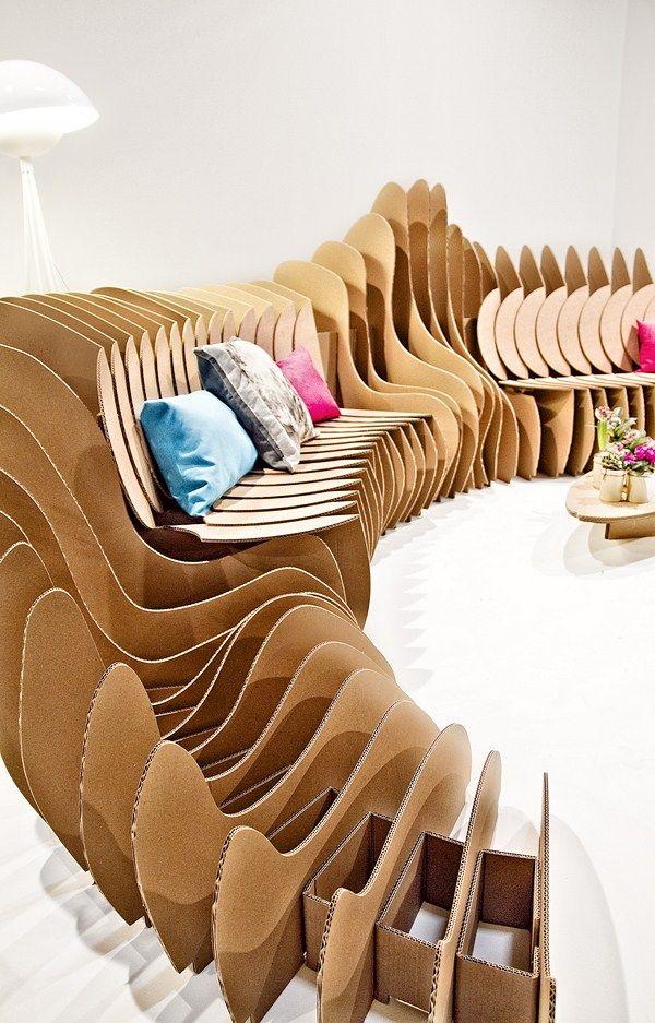 Cardboard sofa - Feria Internacional de Arte Contemporáneo ARCO