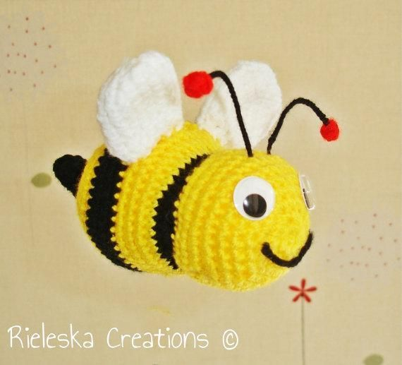 Looking for your next project? You're going to love  bee amigurumi by designer Rieles.
