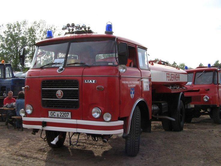 skoda liaz ddr   Ein LIAZ SKODA 706 wie er zu DDR-Zeiten genutzt wurde um die Straße ...