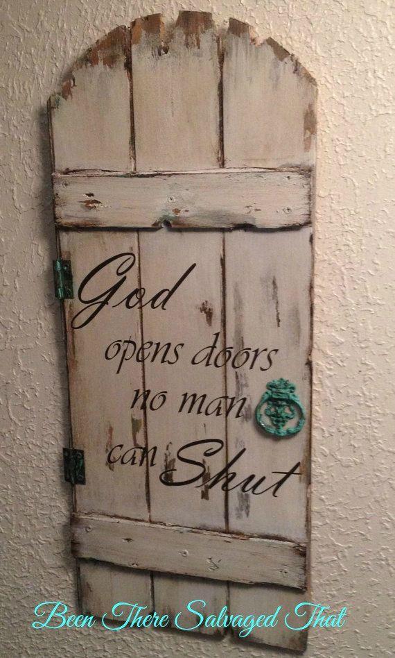 Round Top Door Wood Sign God Opens Doors No Man Can von BugJunkie