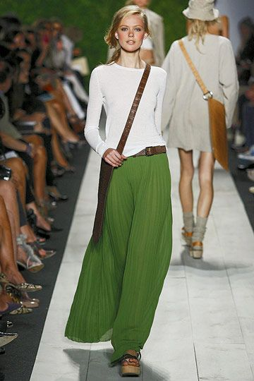 Michael Kors from a couple of years ago. That green-and-white combo is so pretty.Green Skirts, Fashion, Green Maxis, Style, Michael Kors, Outfit, Long Skirts, Maxi Skirts, Maxis Skirts