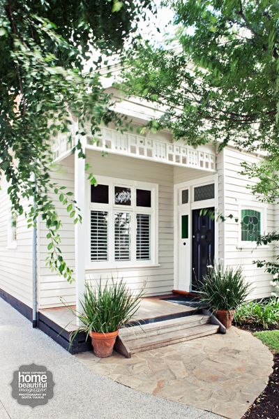 Exteriors we love // classy black door
