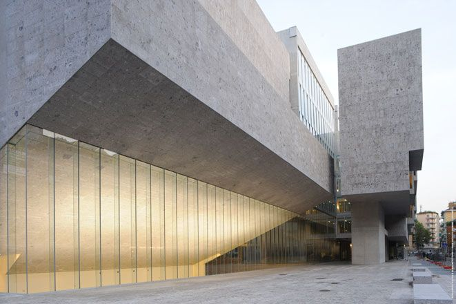 Universita Luigi Bocconi School of Economics, Milan, Italy A Piece of City We saw this brief as an opportunity for the Luigi Bocconi University to make a space at the scale of the city. To this end we have built at the scale of the...