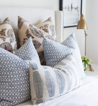 Up close and personal with this pretty pillow combination from our blog post today. :: @kateosborne