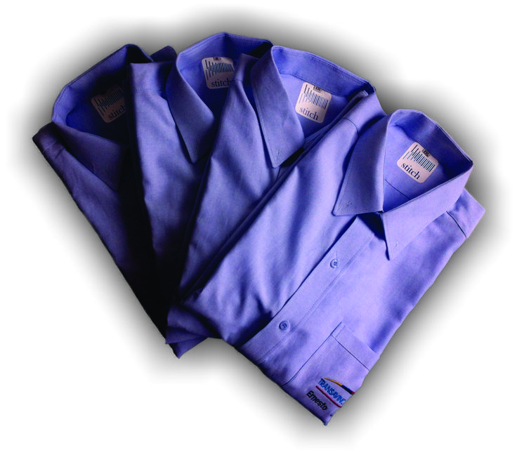 #camisas para área operativa de #empresa de transporte con #bordado en el pecho del logo de la #compañia y #nombre del trabajador.