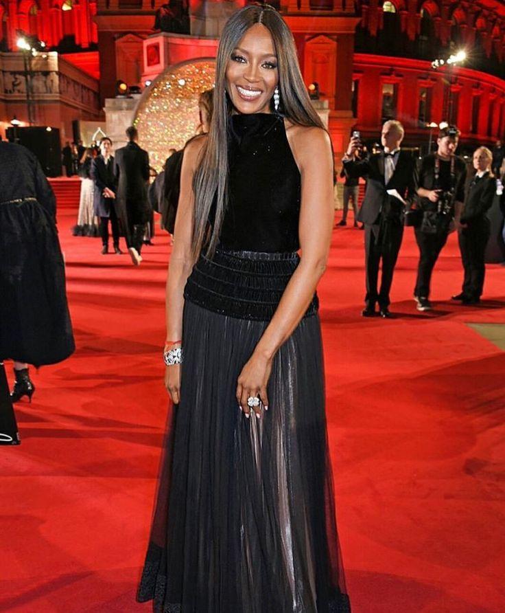 Full Sized Photo of naomi campbell azzedine alaia dress 07 ...  Naomi Campbell Alaia Dress