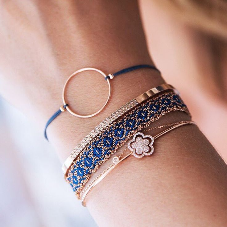 Rosé & Blue – one of our favorite combinations ✨ #new1moment #diamonds #spark…