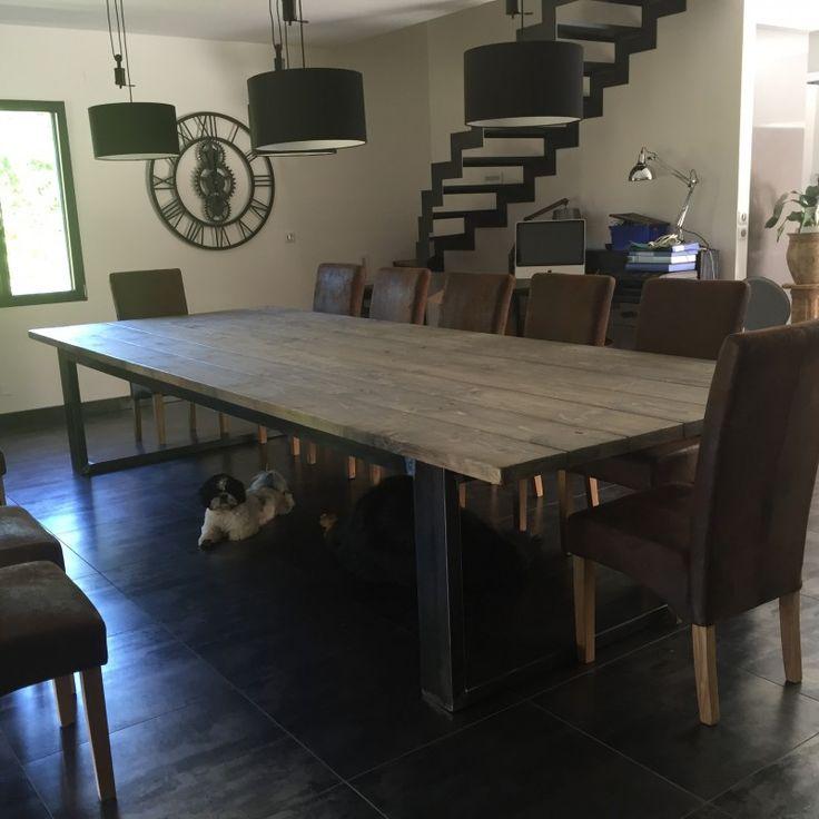 Meuble industriel table de salle a manger bois et acier for Salle a manger 8 places