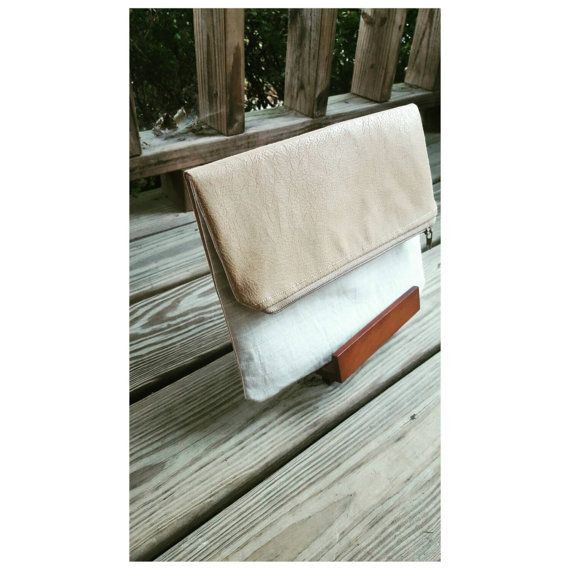 Beige summer foldover clutch. Chic, fabulous, summer vacation house I found this really awesome Etsy listing at https://www.etsy.com/listing/251301979/being-and-gold-linen-foldover-clutch