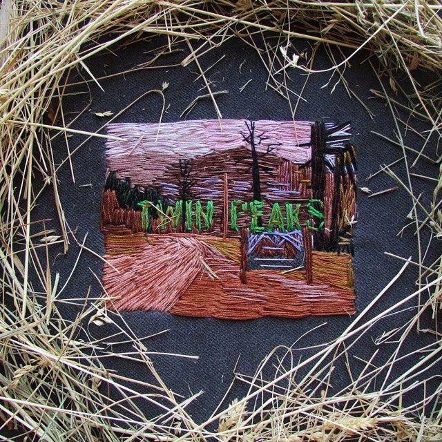 Нашивка Твин Пикс, продается  Patch, TWIN PEAKS, for sale #пейзаж #patch #landscape #embroidery #embroidered #вышивка #стежки #нитки #гладь #stitches #thread #ткань #twinpeaks #davidlynch #coffee #velvet #твинпикс #дэвидлинч #кофе #бархат