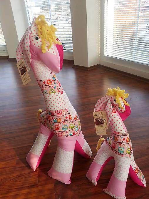 HEDERVIGA / Žirafka ušatá ... ružová sovičková /75cm/