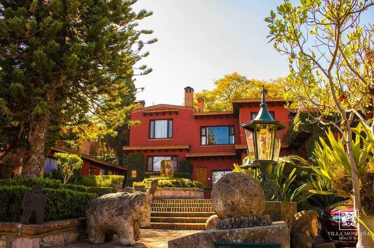 Villa Montaña embelleció con la primavera y te espera siempre con su mejor cara, visítanos 😊  #HotelVillaMontaña
