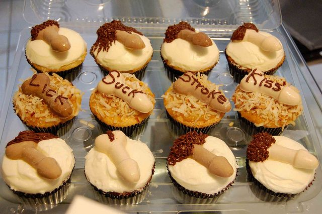 Hap-Penis cupcakes | Flickr - Photo Sharing!