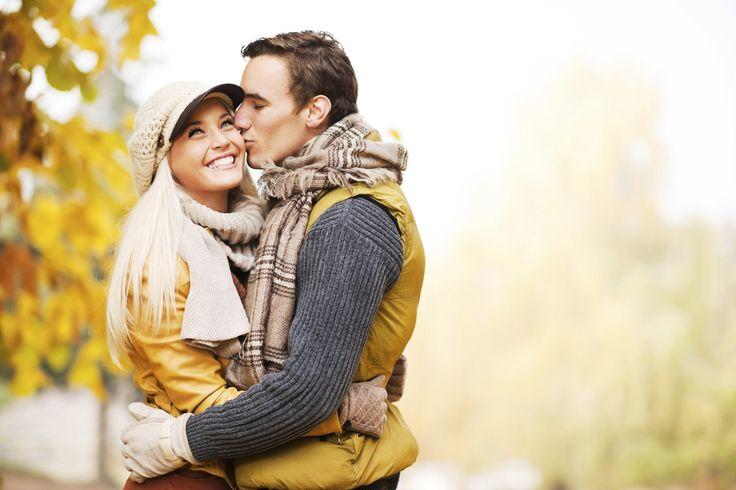 Enjoyable-romantic-couple-hugs-and-kisses.jpg (1800×1200)