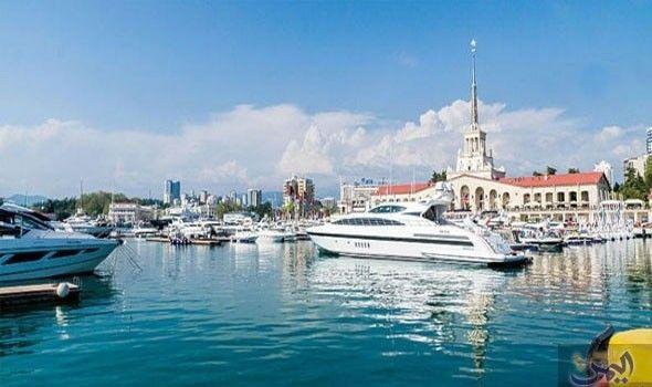 سوتشي تمثل منتجع ا سياحي ا يقع على البحر الأسود عبر شريط ساحلي Canal Places Structures
