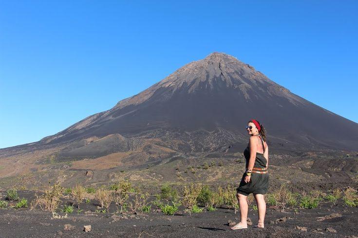 Há lugares únicos no mundo que têm um encanto particular, provocando assombro naqueles que o visitam. O vulcão Fogo, e a sua caldeira, é um desses locais.