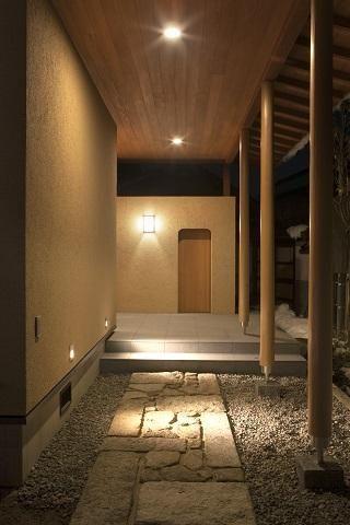 建築家:広瀬 毅「『稲里の家』薪ストーブと大きな吹き抜けのある住まい」