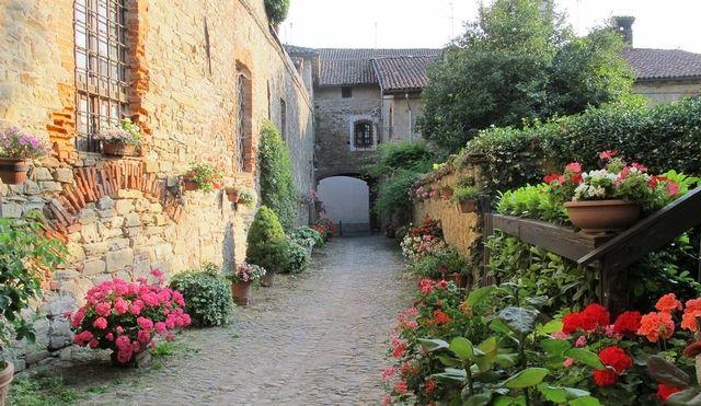 Castello di Tagliolo - #Piemonte #Piedmont http://www.wineandtravelitaly.com/en/vineyard/527-castello-di-tagliolo.html?recherche=1 #wine #travel #italy #winery #vacation #wedding