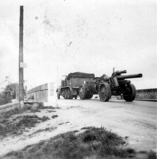 15 cm schwere Feldhaubitze 18 (15 cm s.FH 18 L/29,5)    Conseil Régional de Basse-Normandie / National Archives USA