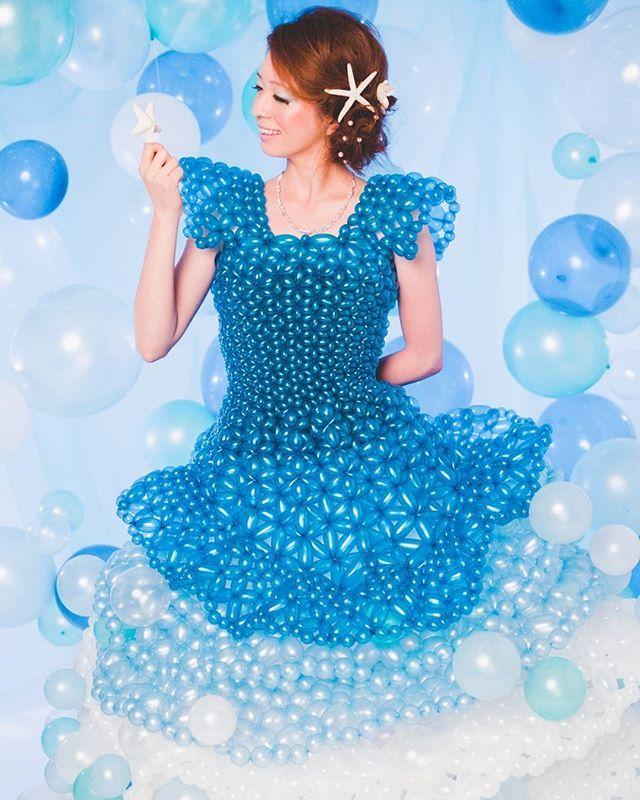 昨日の#撮影 のワンシーン。  #海 の#お姫様 をイメージして制作した#バルーンドレス 。 波や泡、ヒトデや珊瑚、海の中の色々な物を一着にまとめました。  #バルーン#バルーンアート#アート#アーティスト#ドレス#ファッション#Balloon#Balloonart#art#Artist#fashion#dress#ocean#princess#blue#Starfish#instagood#instalike#photo#写真#tagsforlikes #like4like #like#design#デザイン#tokyo