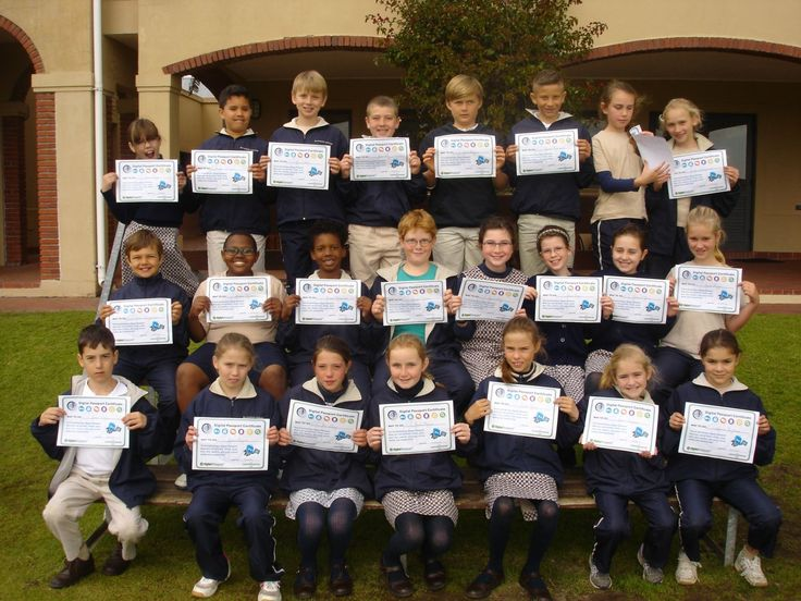 The Grade 4 Quails are the first class to have all pupils complete Digital Passport and achieve their certificates.