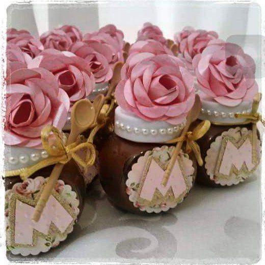 Relembrando os potinhos de Nutella com flores de papel feitas a mão…                                                                                                                                                                                 Mais