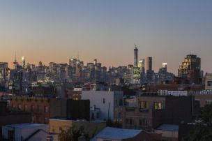 new york manhattan skyline from williamsburg brooklyn