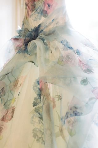 Floral print wedding dress | Rochelle Cheever Photography | see more on: http://burnettsboards.com/2015/03/floral-inspired-roman-villa-wedding/