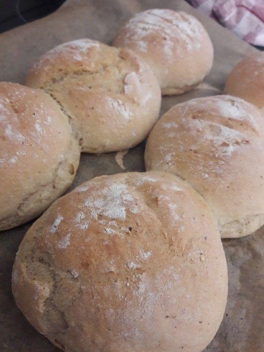 Die schnellsten Brötchen der Welt, ein sehr schönes Rezept aus der Kategorie Brot und Brötchen. Bewertungen: 660. Durchschnitt: Ø 4,3.