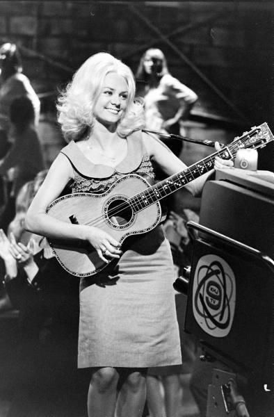 Jackie DeShannon  HOLLYWOOD A GO-GO 1965  one time girlfriend of Jimmy Page