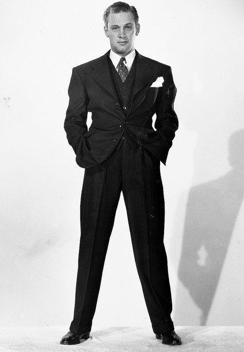 William Holden , c. 1940 Nice suit, Bill.