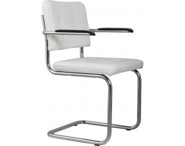 Een witte stoel staat perfect in een witte huis