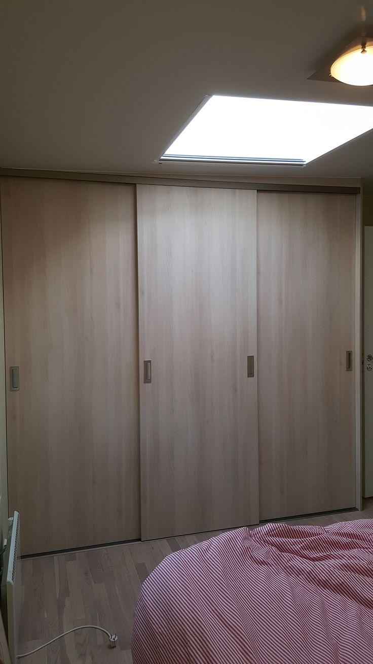3 dørs garderobe med 3 AERO dører(uten profile) montert på soverom i Oslo - GarderobeEksperten