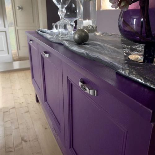 #SIVIGLIA KITCHEN  The Siviglia line allows you to combine unusual colors to the most classic ones... here there is a detail of a purple forniture.   http://www.spar.it/ita/Catalogo/Cucine/Cucine-classiche/SIVIGLIA/Proposta-SIV-4-cd-673.aspx