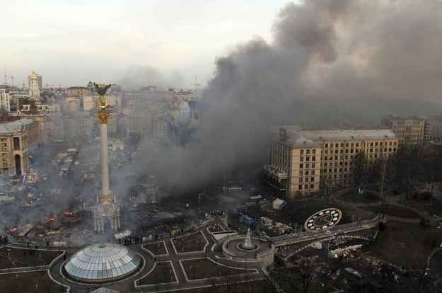 As the sun rose on Kiev's Independence Square on Wednesday morning, at least 25 people were dead following clashes between anti-government protesters and police. | 21 Haunting Photos Of The Day After The Bloody Clashes In Kiev