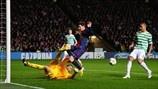 Fraser Forster (Celtic FC) & Lionel Messi (FC Barcelona)   FC Barcelona 1-2 Celtic. 07.11.12.