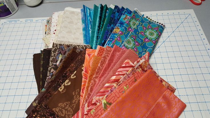 My fabrics for #OnRingoLakeQuilt Bonnie Hunter 2017 Mystery Quilt  http://quiltville.blogspot.com/2017/11/on-ringo-lake-mystery-monday-link-up.html