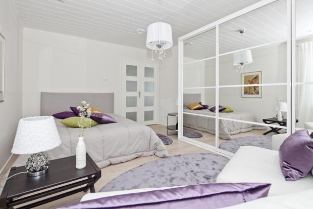 Tässä makuuhuoneessa voi myös käpertyä lukuhetkeen...  @Asuntomessut Kokkolassa 2011
