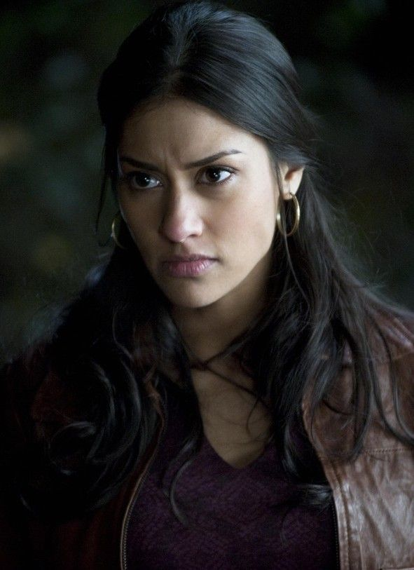 Janina Gavankar. Just give her some yellow eyes and VIOLA! Sauda.