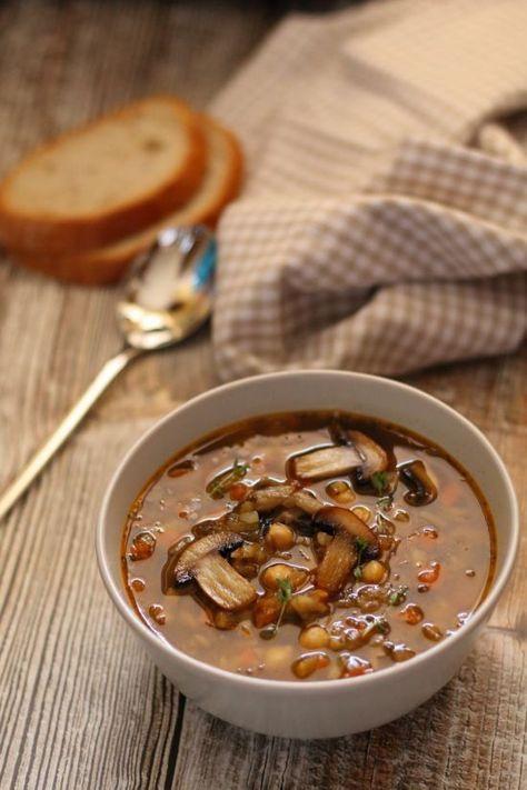 Zupa pieczarkowa z ciecierzycą. #thermomix #thermoprzepisy #zupy #lubiezupe