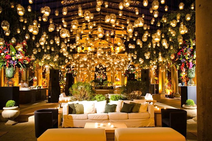 How pretty!! I wld love a party decorated like this