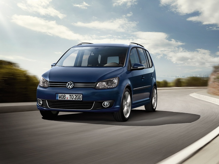 Rent a Volkswagen Touran with Centauro rent a car