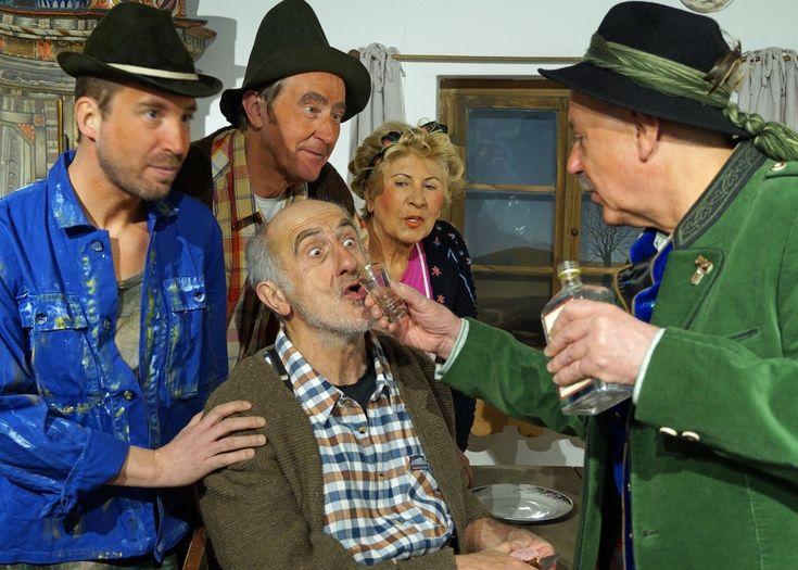 """Ihr neues Stück """"Der verkaufte Großvater"""" spielen sie ab 14. März. WELS. Der Theaterverein Welser Bühne feiert 50-jähriges Bestehen. Aus diesem denkwürdigen"""