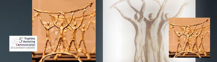 Les créations au design graphiques pour signalétique de Com' Empreintes ont été récompensées par le Trophée de la communication 2013 des métiers de la comptabilité. Création pour le cabinet comptable Bessière